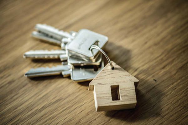 keys with wooden house keychain